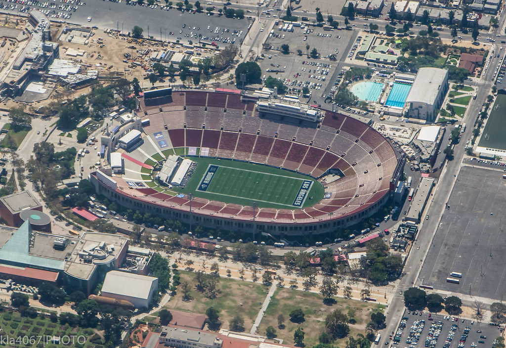 Los Angeles Memorial Coliseum - THE RAMS ARE BACK! | Flickr