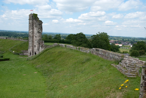 Tutbury Castle tower | by quinet