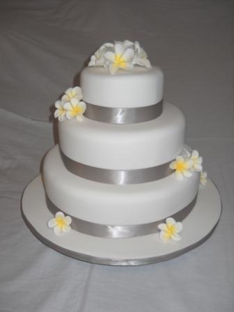 Frangipani Wedding Cake 2