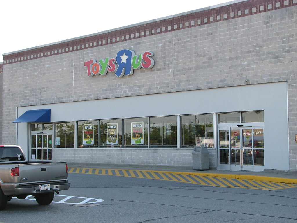 Toys r us in hyannis ma franmoff flickr for Cuisinette toys r us