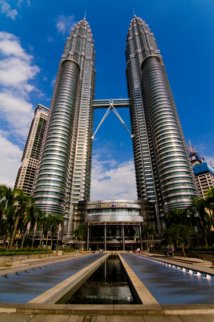 Petronas Twin Towers Klcc The Petronas Twin Towers