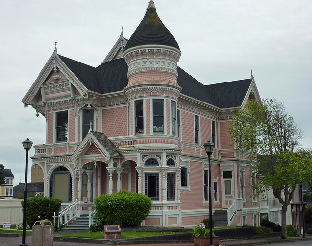 Old victorian houses in eureka ca flickr photo sharing for Classic house images