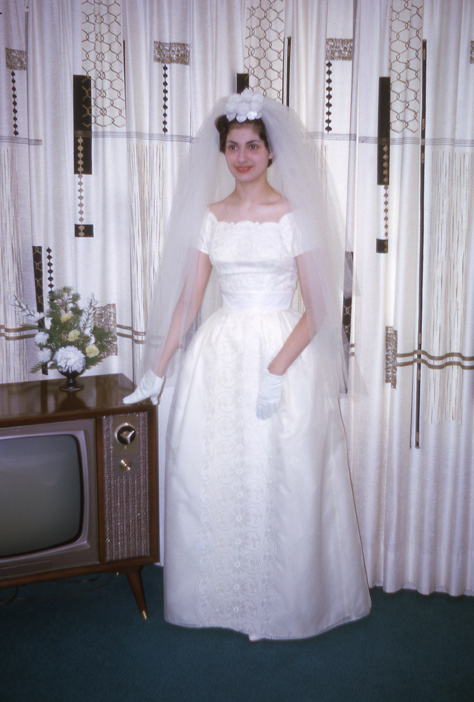 aunt pat in her wedding gown mom this is aunt pat at