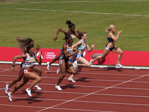 Heat 1 of the Womens 100m Semi-Final | by wwarby
