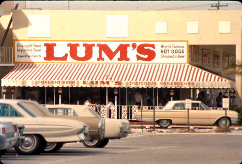 Lum's - Fort Lauderdale, Florida | by The Cardboard America Archives