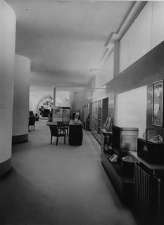 hmv 363 Oxford Street, London - Ground floor showroom looking towards the front of the shop - 1940s