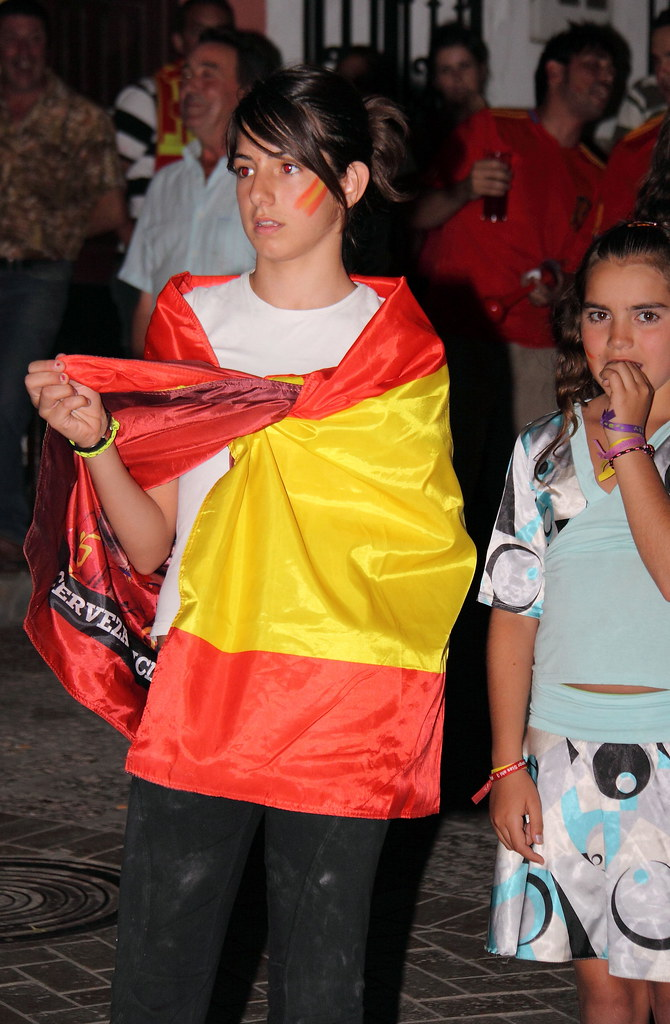 0743 Spanish Girls Start Off Cute And Pretty ...