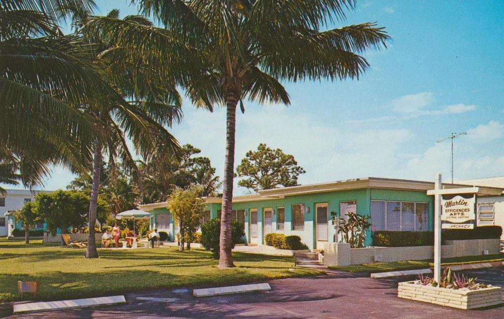 Martin's Apartments - Hollywood, Florida