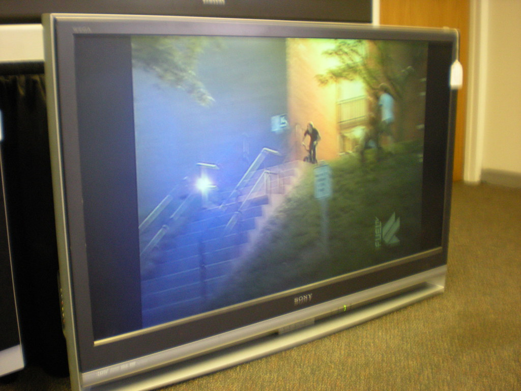 Sony 50 inch lcd rear projection tv 1 450 priced for for Miroir 50in projector specs
