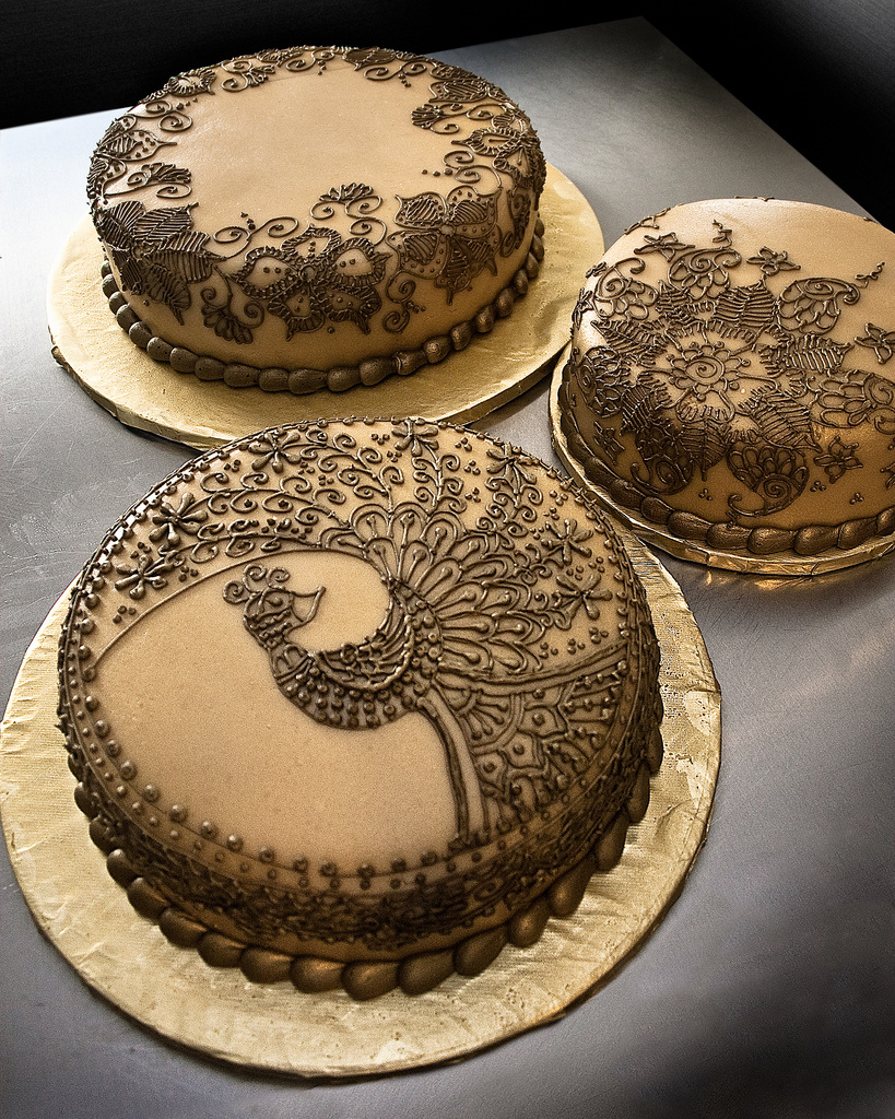 Henna Wedding Cakes While The Peacock Design Is A Direct C Flickr