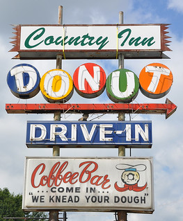 Country Inn Donut | by RoadsideArchitecture.com