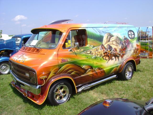Splattergraphics 1976 Dodge Street Van