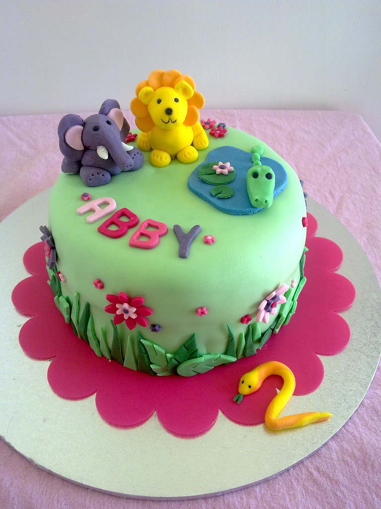 2nd Year Birthday Cake Designs For Baby Girl : Jungle cake Birthday cake for a little girl s 2nd ...