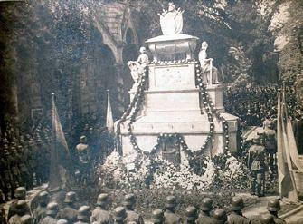 Resultado de imagen para la cripta de O'Higgins en el cementerio general