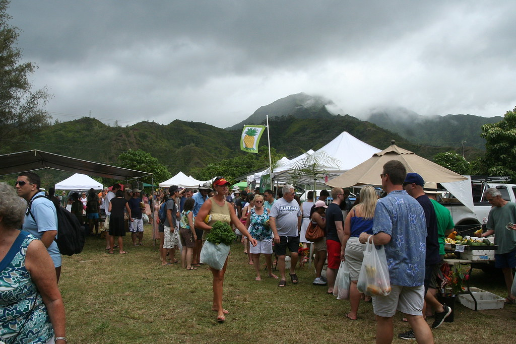 things to do in Kauai - FARMERS MARKET