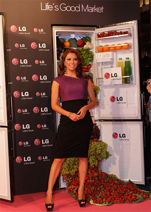 Blog Eva Longoria eva longoria en la presentación del nuevo frigorifico de l…   flickr