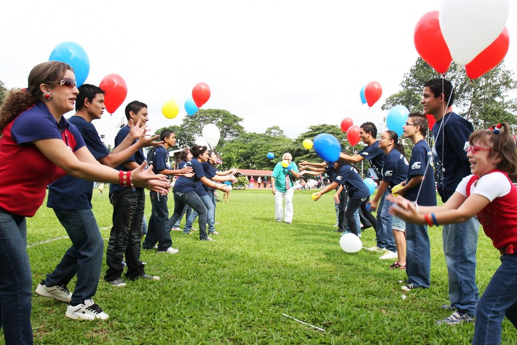 Students participate in water balloon toss contest flickr for Free balloon games