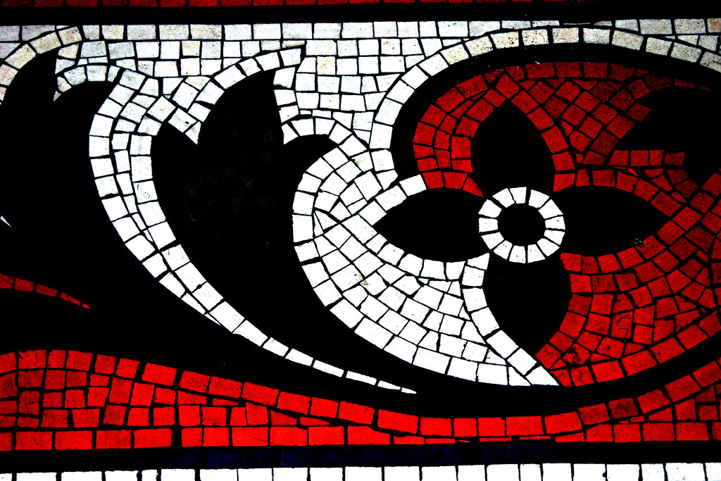 Mosaic in red black and white stephanie levin flickr for Black red white boxspringbett