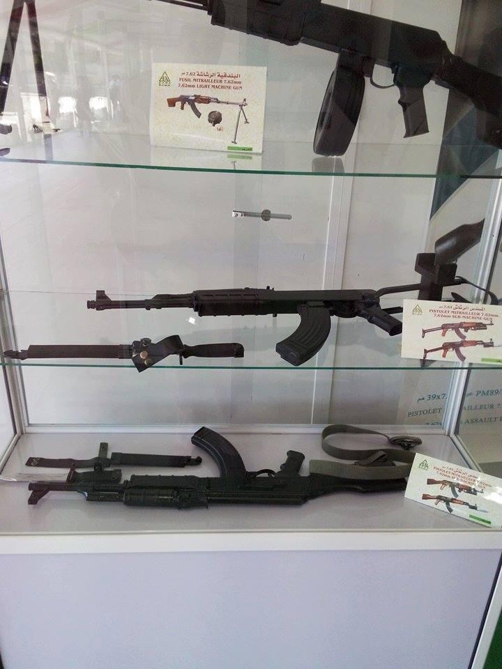 الصناعة العسكرية الجزائرية  [ AKM / Kalashnikov ]  - صفحة 2 35271371170_bc3d37146d_o