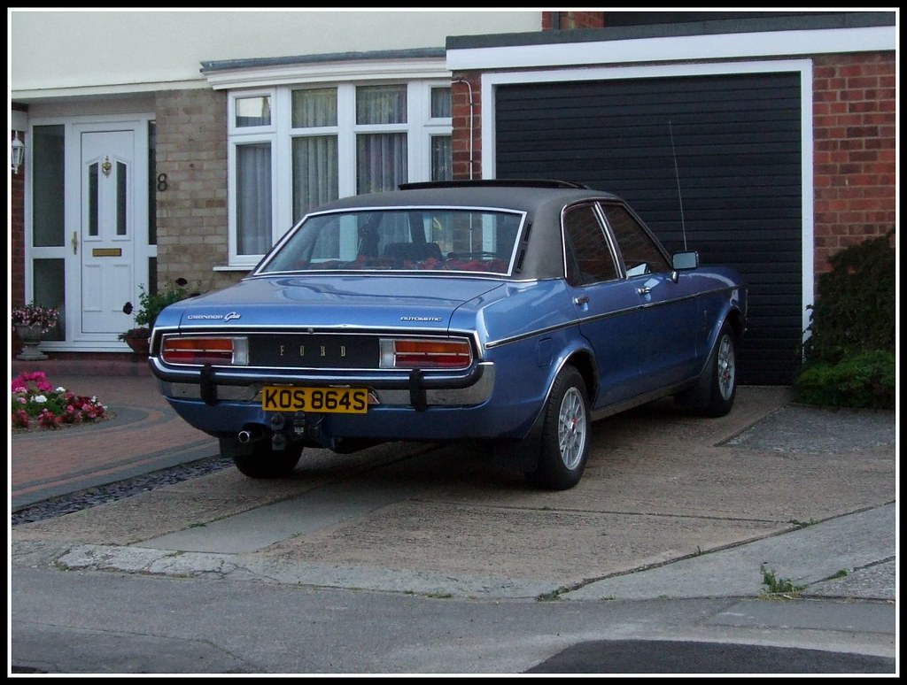 1977 mk1 ford granada 3 0 ghia spotted this lovely bar. Black Bedroom Furniture Sets. Home Design Ideas