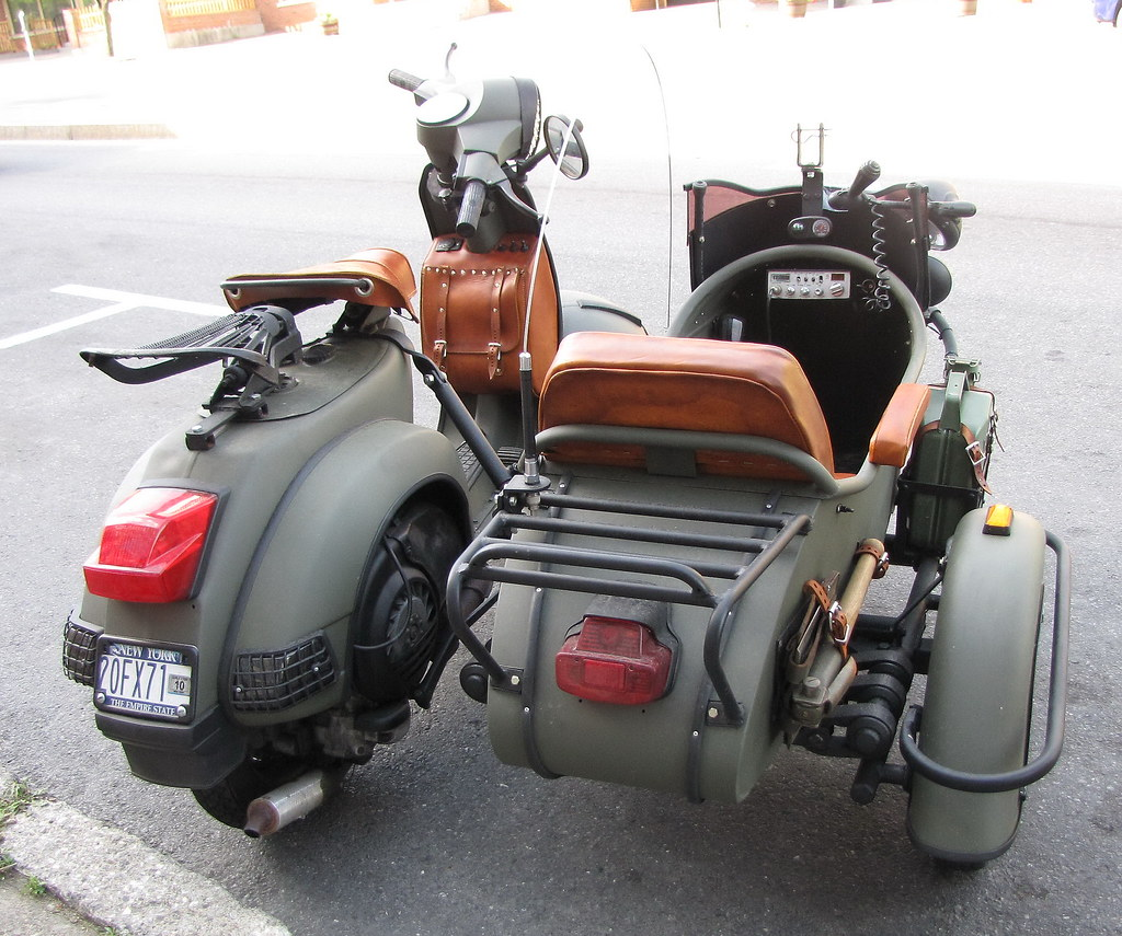usa military vespa with side car right eye flickr. Black Bedroom Furniture Sets. Home Design Ideas
