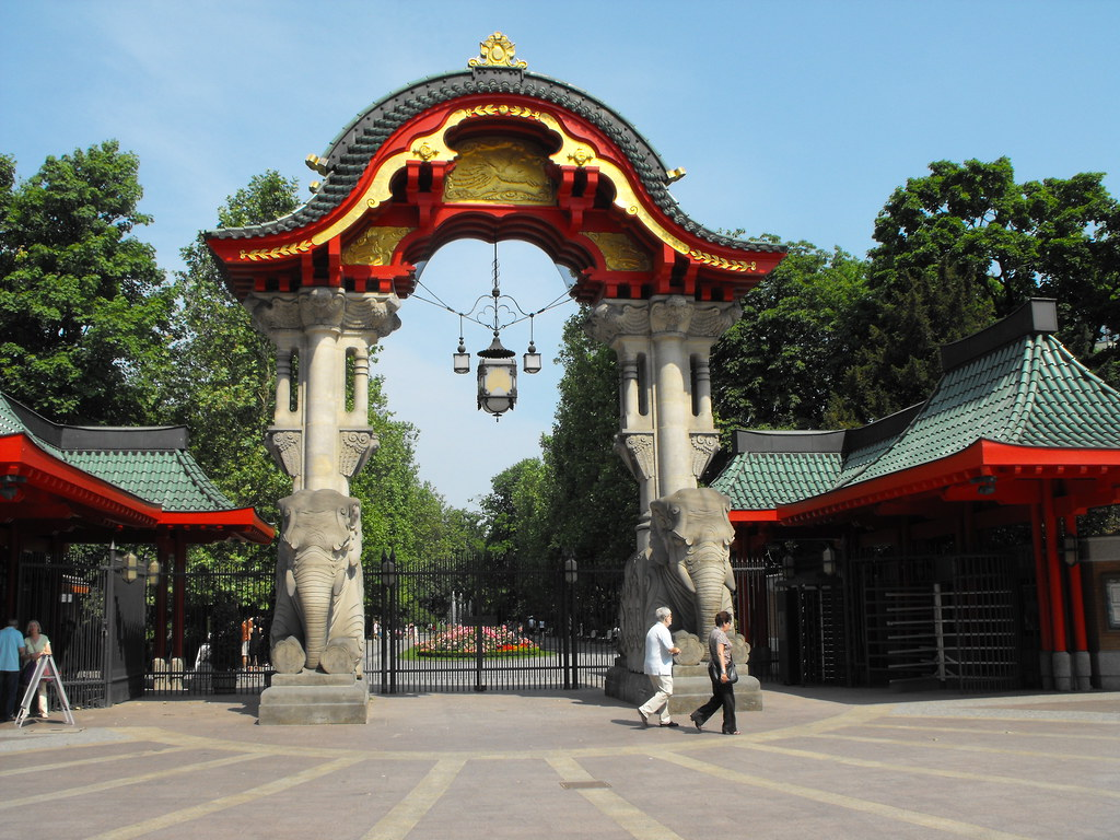 berlin zoo elephant gate 3270 dave challender flickr. Black Bedroom Furniture Sets. Home Design Ideas