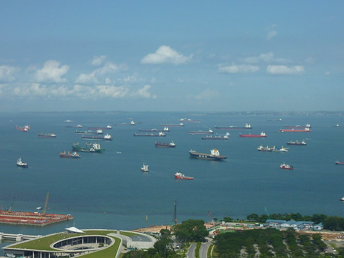 Ships queuing for Singapore port | kfcatles | Flickr