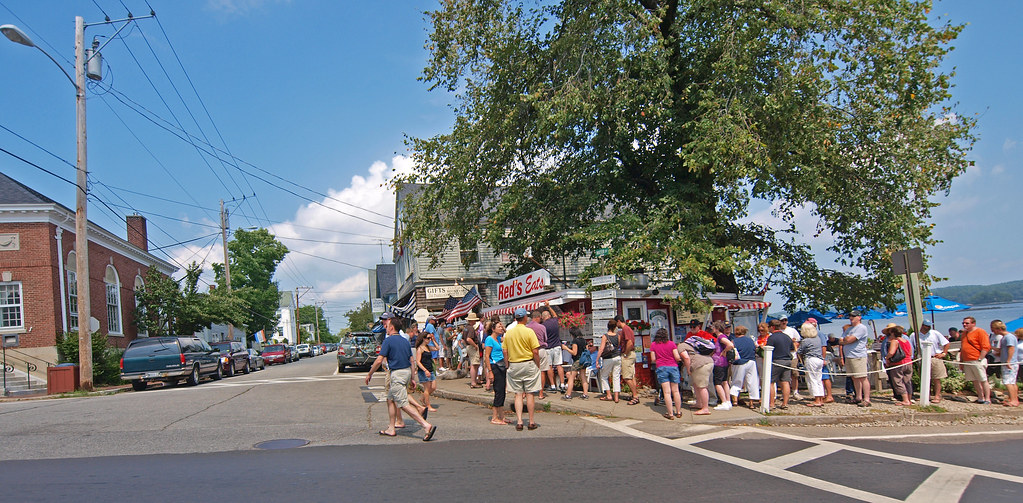 Wiscasset Traffic Camera >> Red's famous lobster stand | By ABBY GOODNOUGH in the New ...