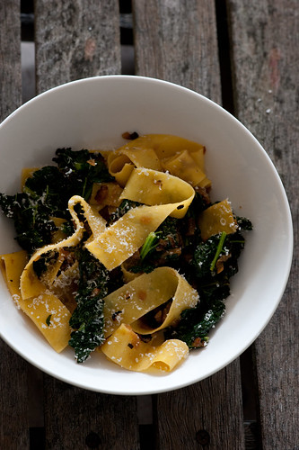 egg noodles with caramelised onion & cavalo nero | by jules:stonesoup