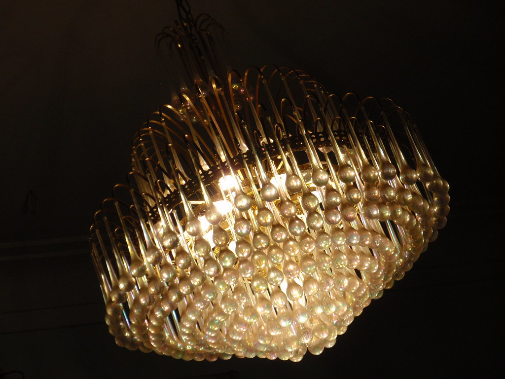 A chandelier..   Also known as \