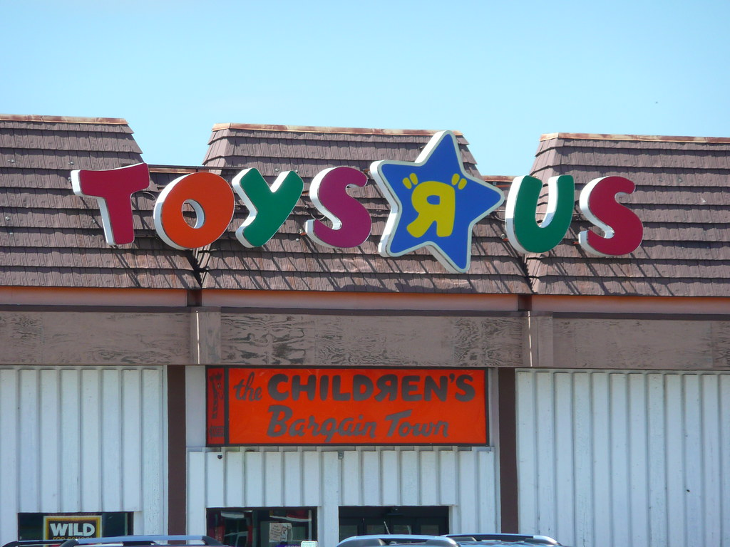 Toys R Us Sign : Moline il old school toys r us sign hmmm