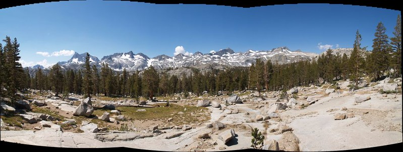 Sierra Crest panorama: Minarets, Banner, Ritter, Davis, Rodgers, Lyell, Maclure, and Donohue peaks.