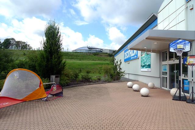 Stade aquatique vue depuis d cathlon bellerive sur for Bellerive sur allier piscine