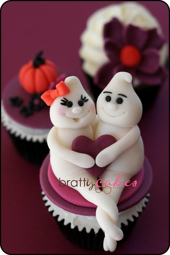 Halloween bridal shower i was asked to make cupcakes for for How to make halloween cupcake cakes
