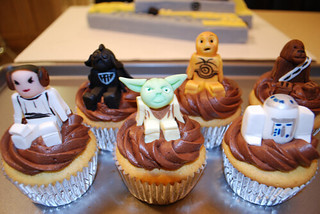 LEGO Star Wars Character Cupcakes | by fbtb