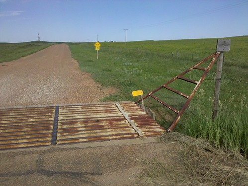 My first cattle guard crossing of the trip | by Hobo Matt