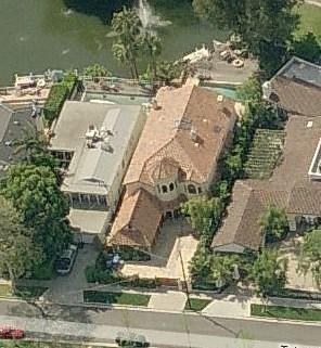 Photo: house/residence of the friendly 18 million earning Toluca Lake, CA, USA-resident
