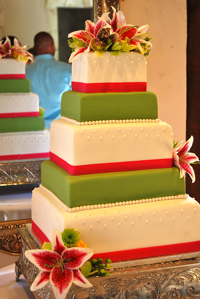 Lime green and hot pink wedding cake | Elisha Shibuya | Flickr