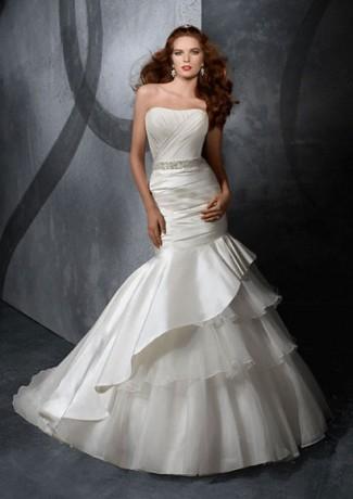 lace wedding dress | Carrie Underwood chose lace Wedding Dre… | Flickr