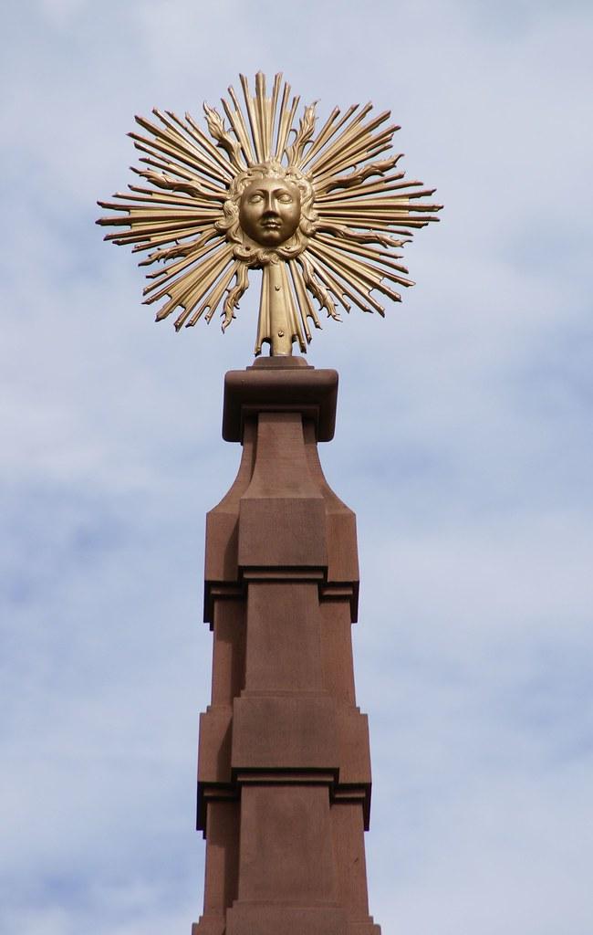Frankfurt liebfrauenberg sonne auf dem obelisken des lie for Liebfrauenberg frankfurt