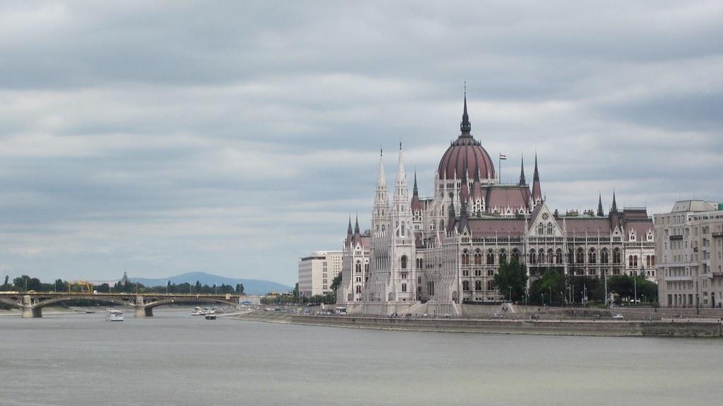 Parliament Building, Budapest, Hungary [1024x575] [OC]