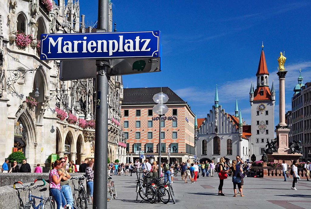 muenchen marienplatz m nchner marienplatz mit altem und ne flickr. Black Bedroom Furniture Sets. Home Design Ideas