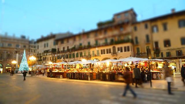 verona christmas market, italy in winter, travel