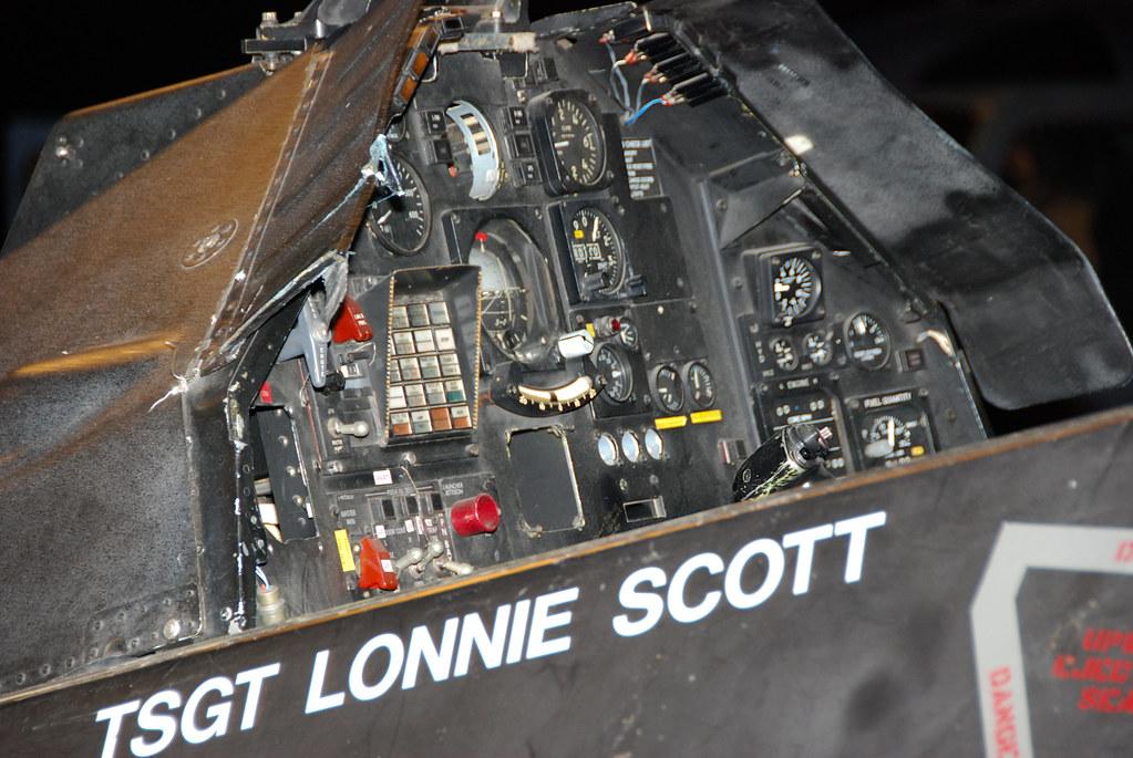 F 117 Nighthawk F-117 Nighthawk Cockpi...