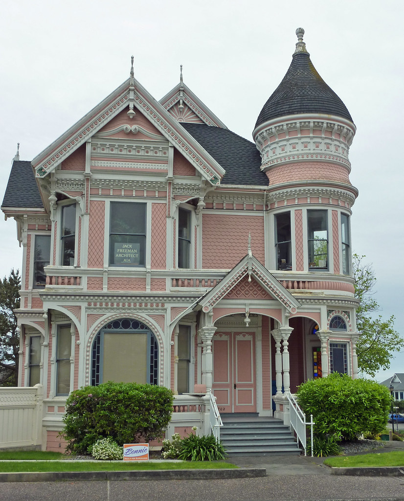 A Complete Tour Of A Victorian Style Mansion: Old Victorian Houses In Eureka, CA
