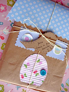 Little House Gift Wrapping | by zakka inspired