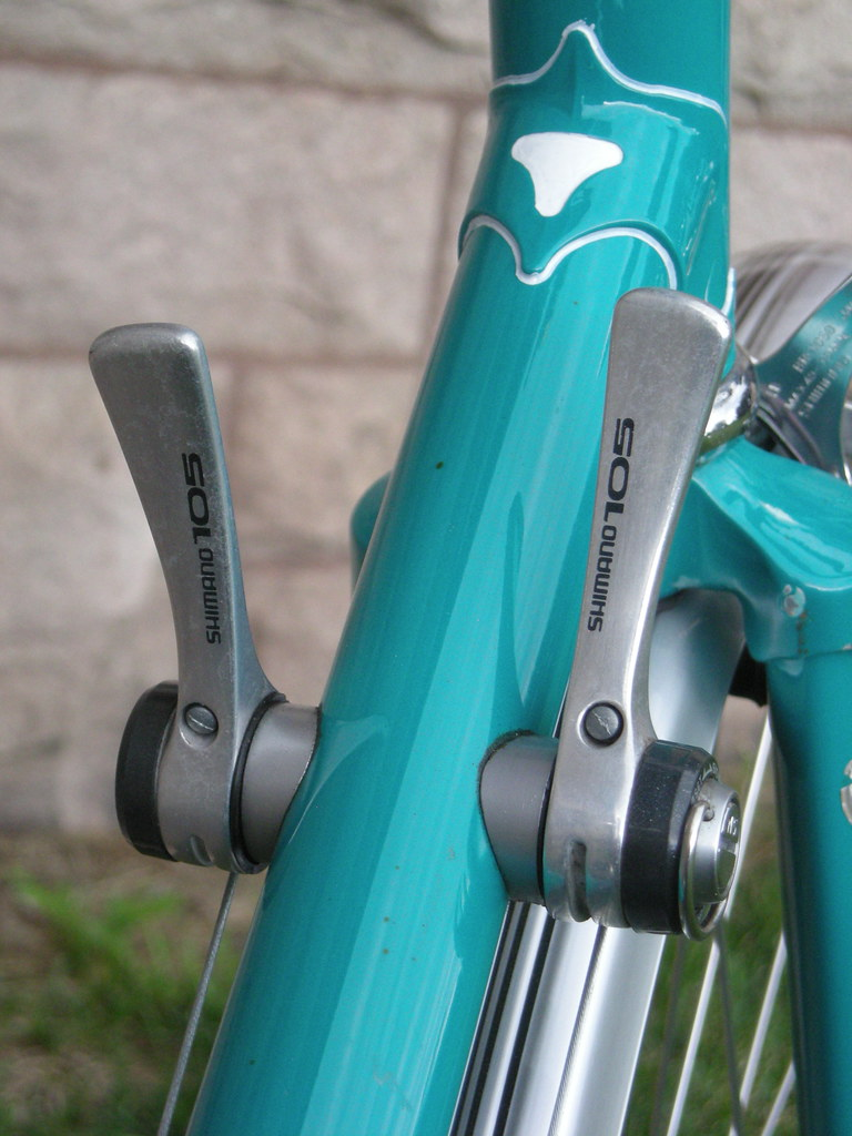 Shimano 105 downtube shifters | somervillebikes | Flickr