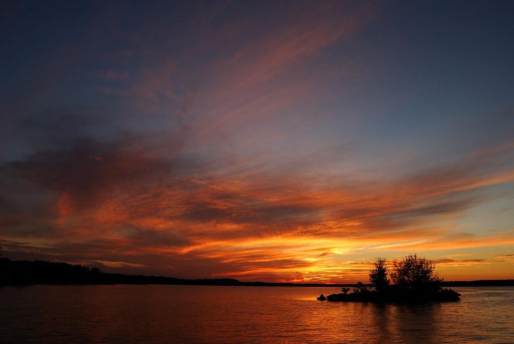 Sunset at cedar ridge stockton lake missouri tom took for Stockton lake mo fishing report