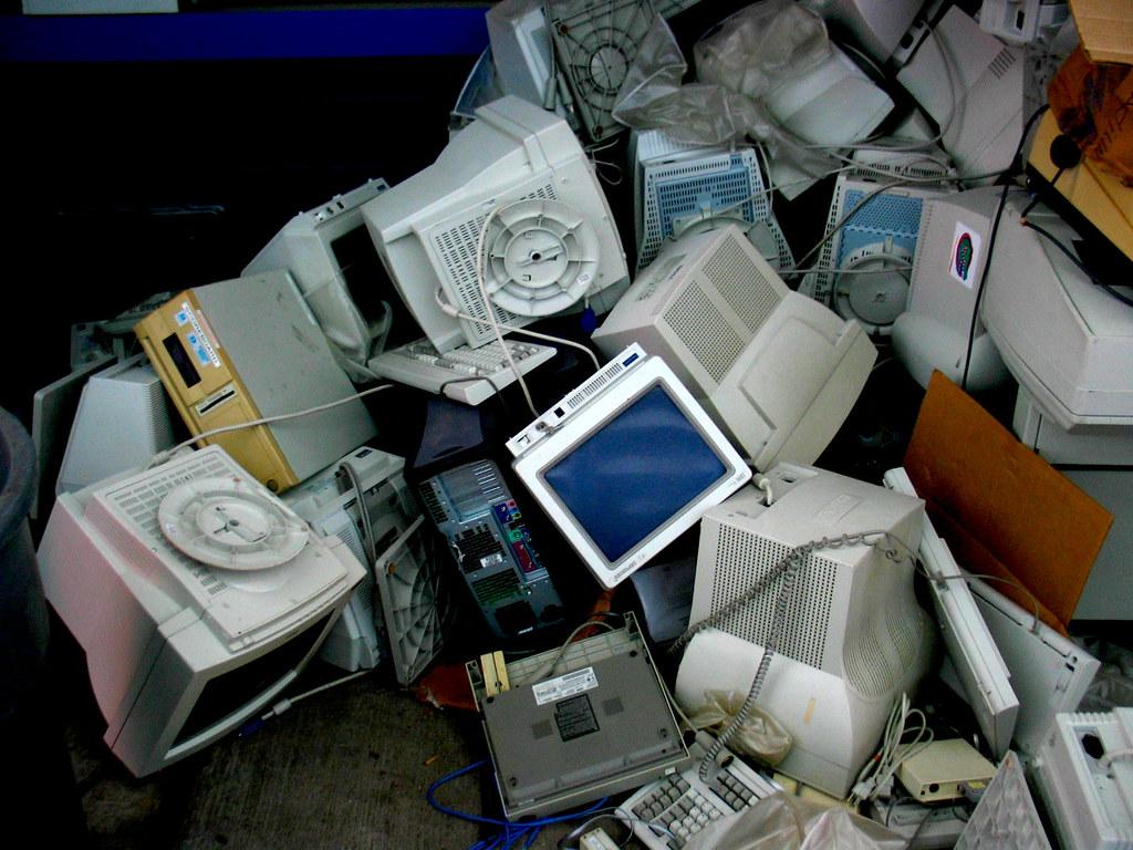 UF Computers Monitors Keyboards Trash | Christopher