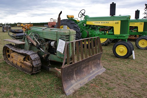Old Antique Jd Crawlers : John deere mc crawler seen at the vintage machinery
